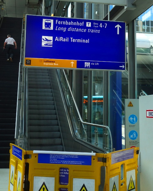 Trains, Frankfurt Airport, escalator out of order