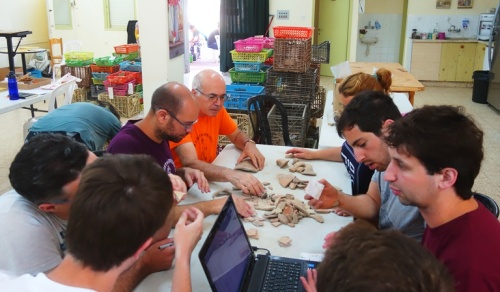 Pottery Reading, Tel Lachish, Archaeology, pottery, archaeological dig, Garfinkel