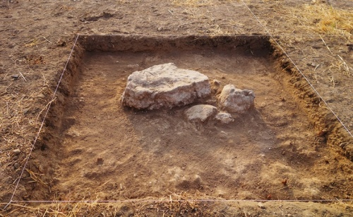 small square, test pit, archaeology, tel Lachish