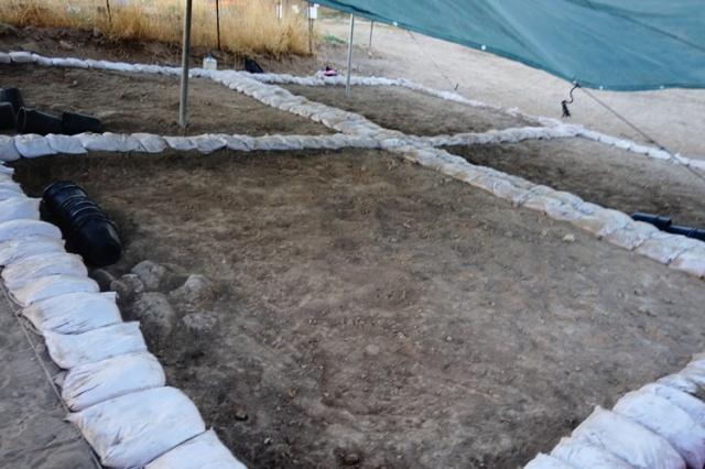 grid, four squares, archaeology, tel lachish, dig
