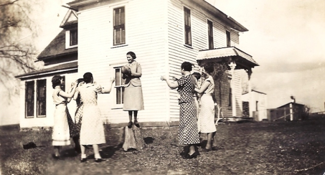 Cutter Place, Coin, Iowa, Basketball, wedding game? Women in yard