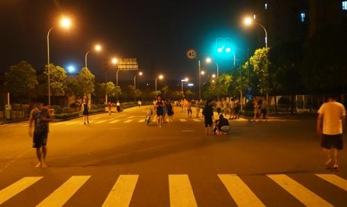 Shanghai, Pudong, Closed Street, Street Life in China, Evening Walk