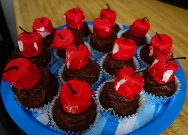 Dessert, Cupcakes, Firecrackers, marshmallows.