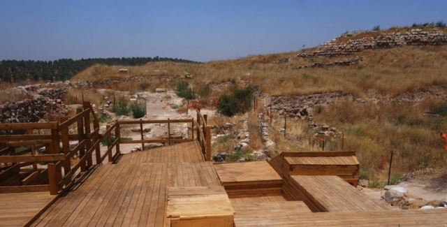 Lachish, Archaeology, Gates, Chambers, Shrine
