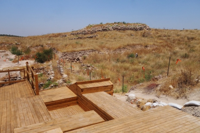 Gates and Palace, Tel Lachish, Archaeology, Israel Antiquities Authority Dig