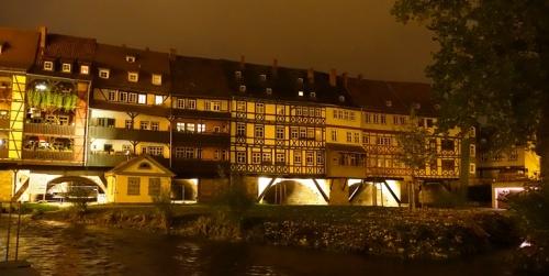 Kramerbrucke, Houses on bridge, Erfurt Germany