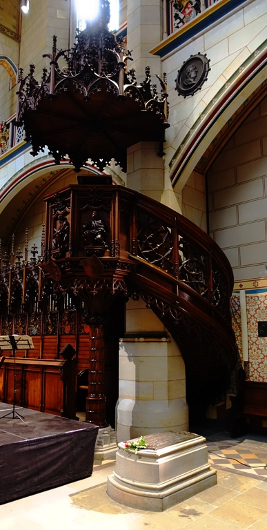 Castle Church Pulpit, Wittenberg, Luthers Grave