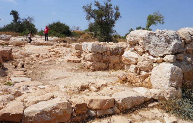 Khirbet Qeiyafa, Yosef Garfinker, BAR, Second Gate