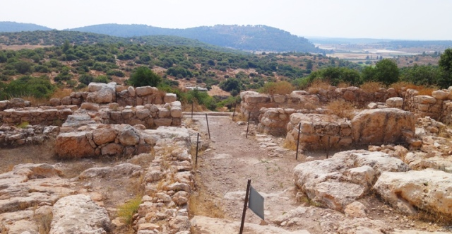 Khirbet Qeiyafa, Sha'Arayim, Elah Valley, Archaeology, Two Gates