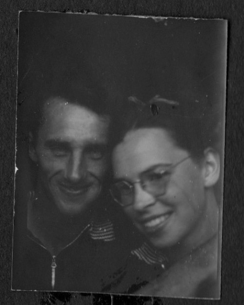 Photo Booth, Pictures, 1930's, Smiles, Couple in Photo Booth