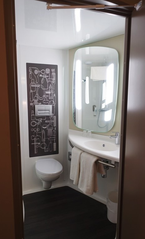 Ibis Hotel Bathroom module, Cambridge, UK