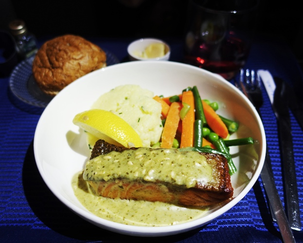 Polaris Class lunch, United Airlines, Salmon, lunch