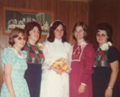Sisters at wedding, Wedding, Jefferson City