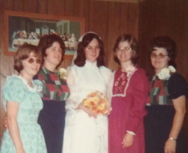 Sisters at wedding, Wedding, Jefferson City