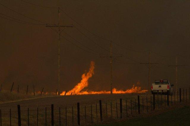 Grass fires, Kansas wildfires, southwest kansas