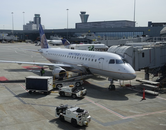 United Regional Jets, SFO to MCI, Flying