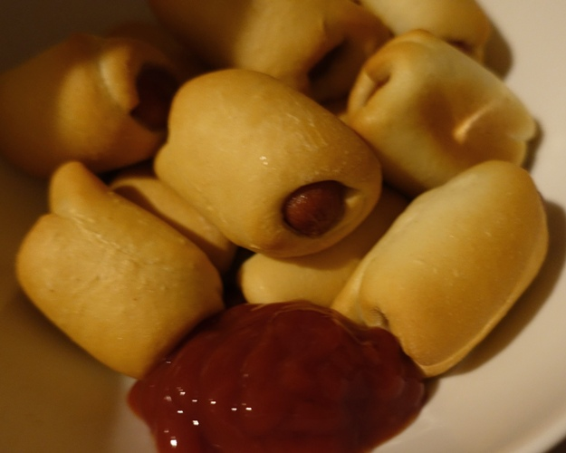 Pigs in a blanket, ketchup, catsup, snack food