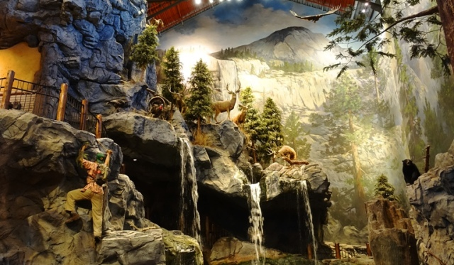 California Bass Pro Shops, Manteca, Outdoor World