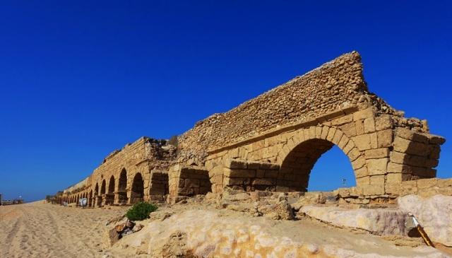 Ceasarea Maritima, Aqueduct