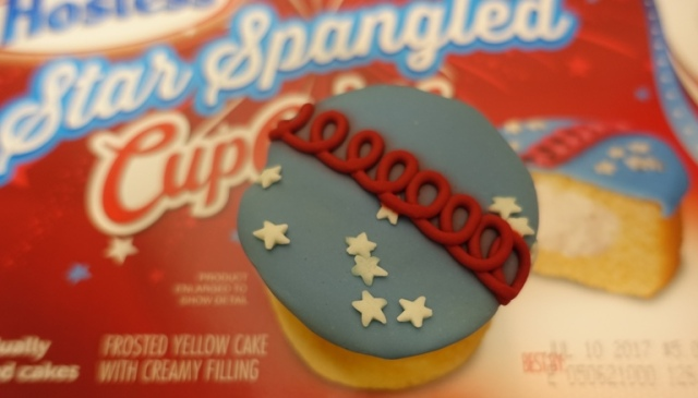 Star Spangled CupCakes, Hostess Snack Cakes, Squiggle, Holiday, 4th of July