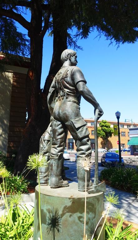 Tracy Firefighter, Bronze Statue, Sculpture
