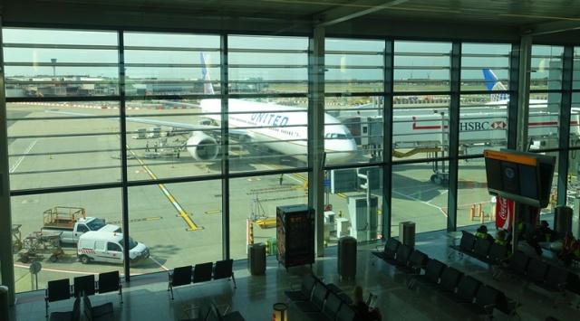 Heathrow Airport, LHR, 777, United