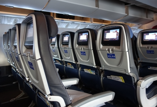 United Airlines, 777-300ER, Boeing, 10 Across, Economy Seats
