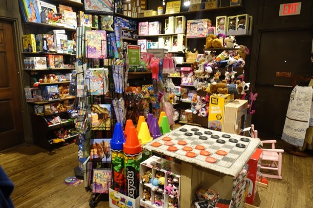 Cracker Barrel, Retail section, Old Country Store, Waiting for Seating