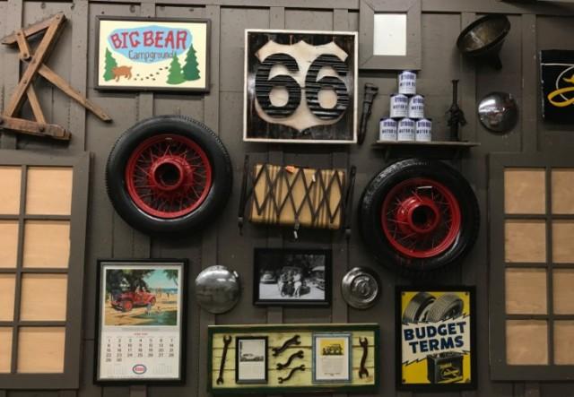 Cracker Barrel, California, Victorville, antiques, displays