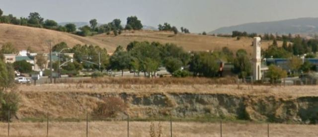 Livermore, Creek Bed, I-5, Google Street View