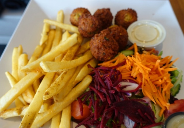 Lunch, falafel, chick peas, fries, me va me restaurant