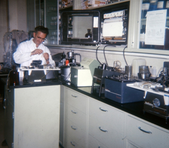 Grandpa, Lab Technician, Labratory, working