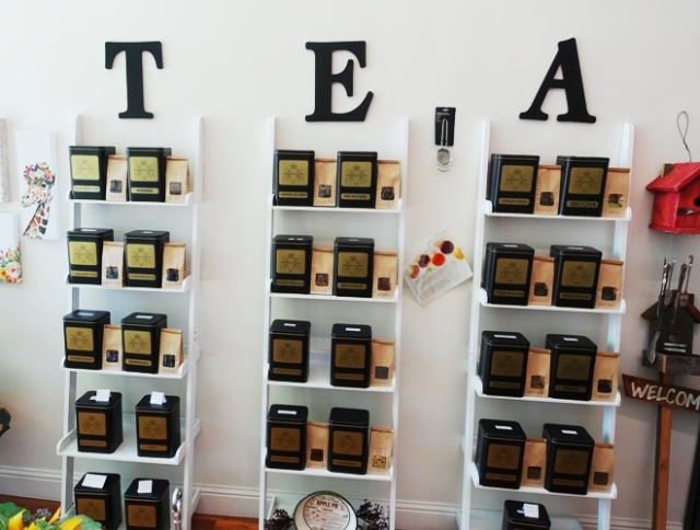 Trina's Tea Kettle, Boutique, Loose Tea, Pomegranate Oolong tea, Tea Shop