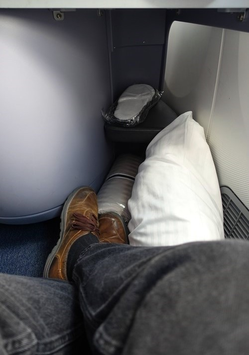 Leg room, upgrade, 787, United Airlines