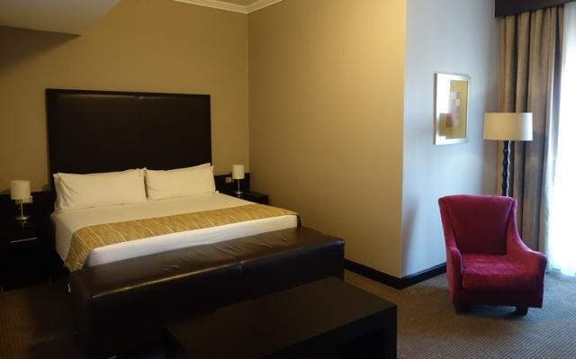 Holiday Inn Sandton, Hotel Room, Johannesburg Hotel