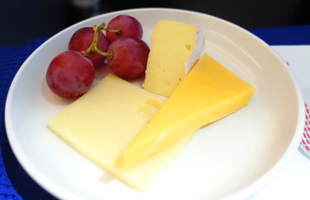 Grapes and Cheese, Cheese plate, grapes