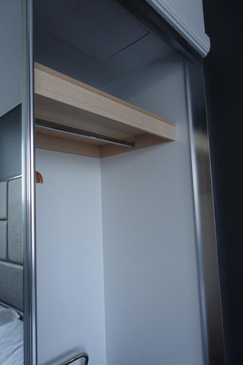 Empty closet, Hidden Bolster