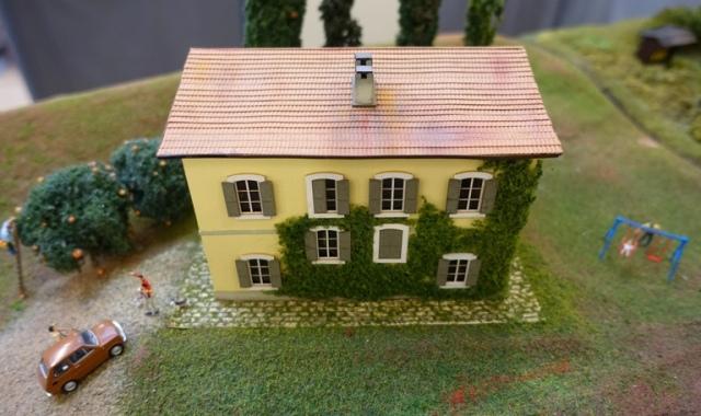 Ivy covered house, model railroad, models