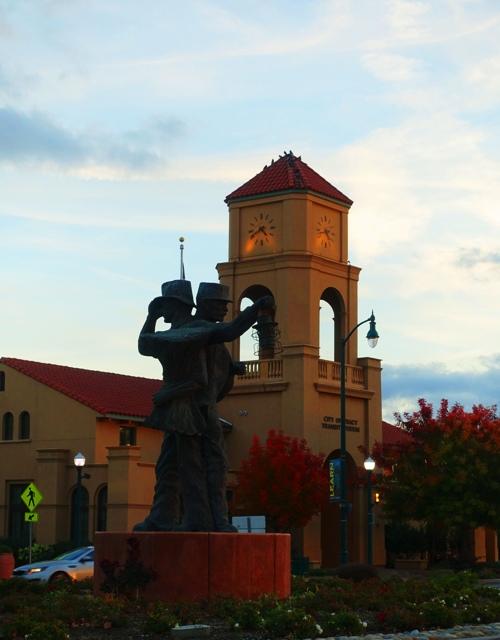 Tracy Transit Center, Harvest of Progress statue