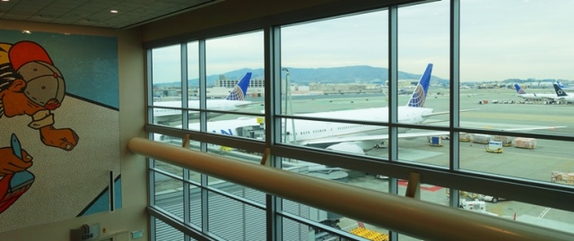 United Airlines, SFO, Boeing 777, travel