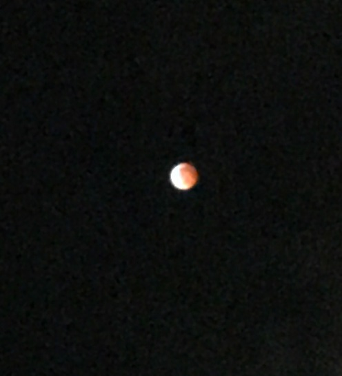 Blood Red Moon, Eclipse