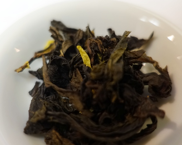 oolong tea, tea leaves, orange oolong, orange peel, marigold flowers