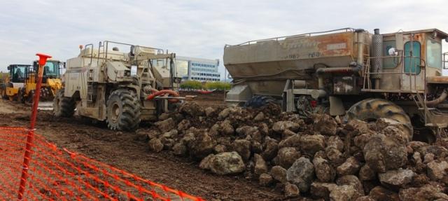 Rocks, Equipment, Construction, leveling