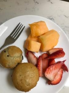 Fruit, snack, United club, airport