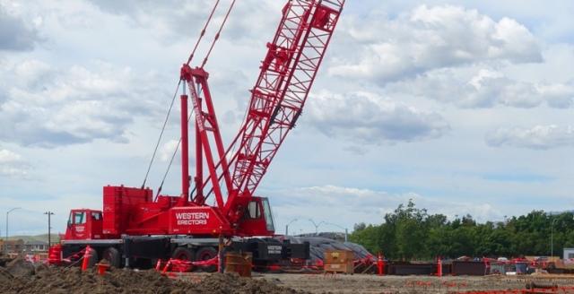 Big Crane, Red Crane, Zeiss Innovation Center, Dublin, California, Construction