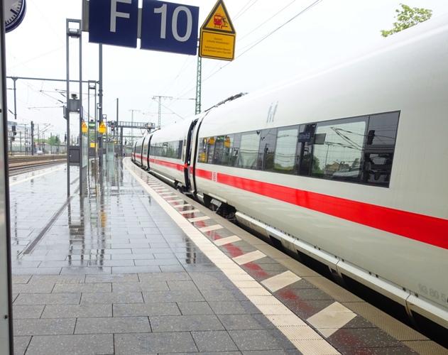 ERfurt, ICE, German Trains, Rainy day, German train station