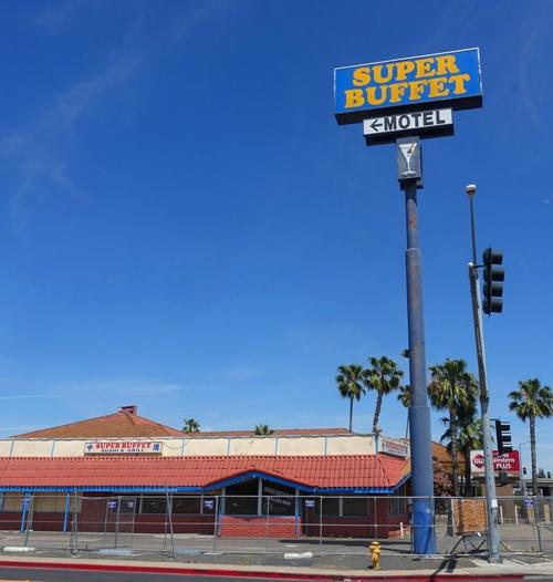 chick-fil-a, Manteca, California, Super buffet, construction fence