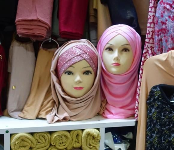 scarves, mannequin heads, jerusalem
