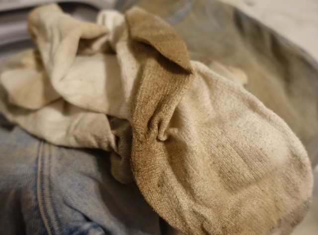 archaeology, jeans, iron age dirt, dirty clothes, laundry