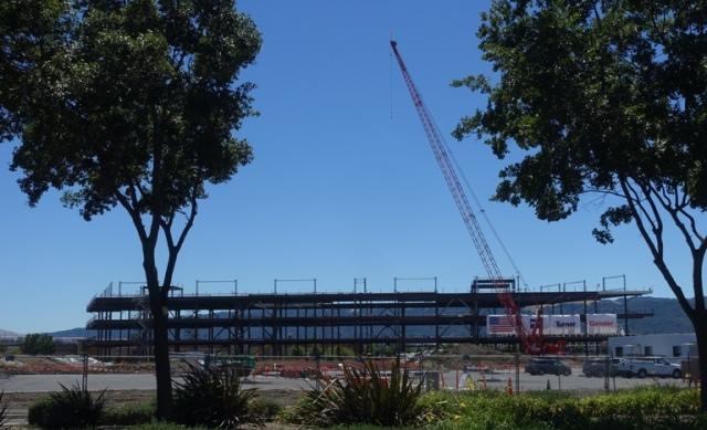 Zeiss Innovation Center, Dublin, California, Construction, Topping out